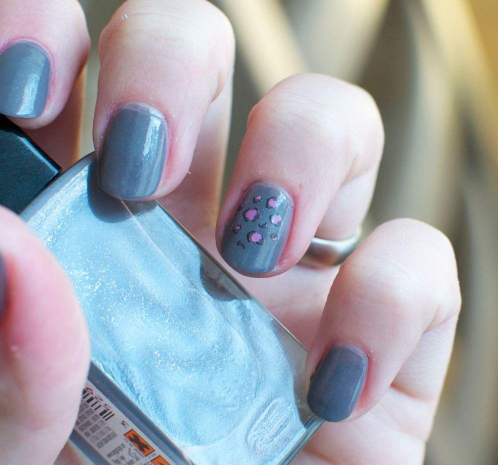 panther_nails