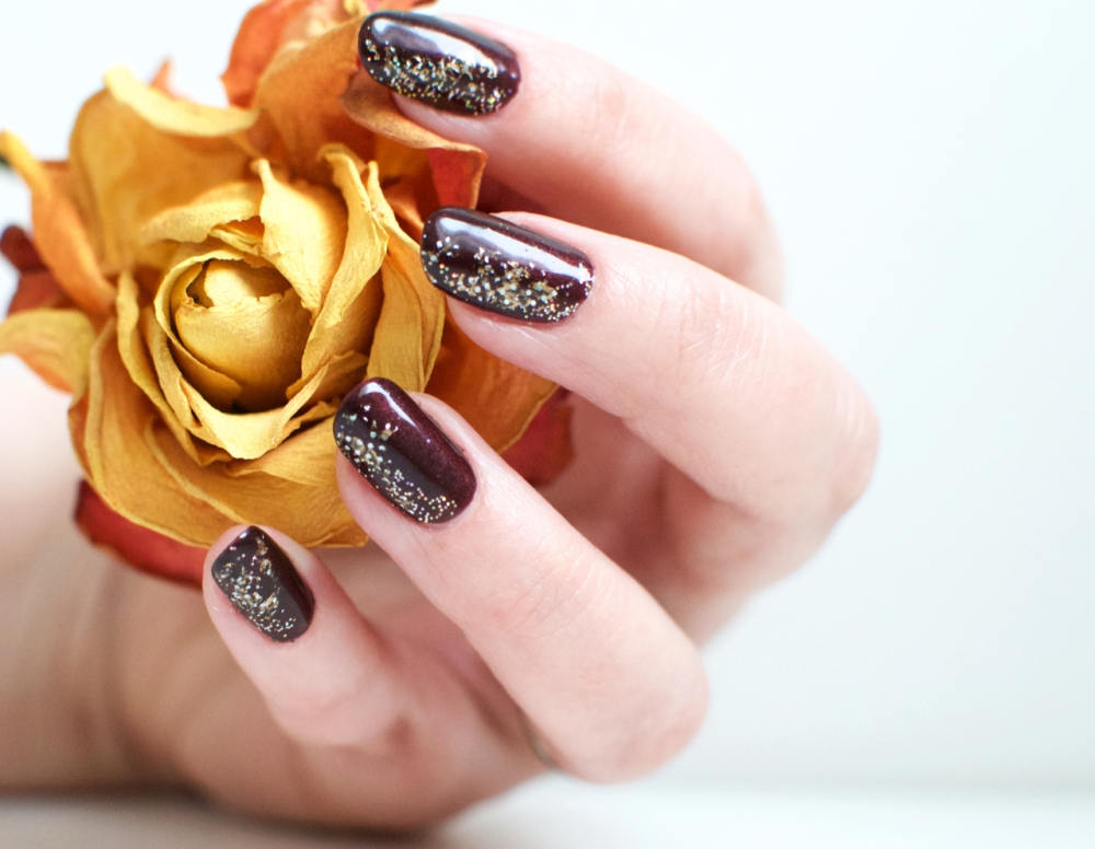 cnd_dark_lava_nails